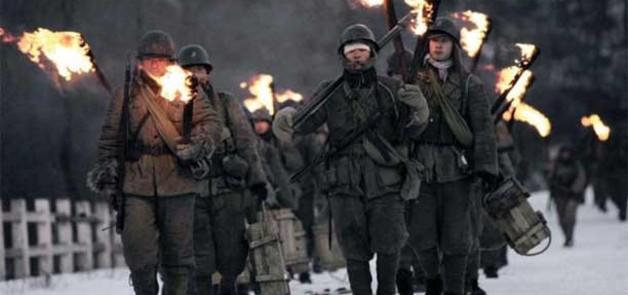 http://s.excessif.com/mmdia/i/40/8/heros-de-guerre-haut-3649408yyscm_1731.jpg