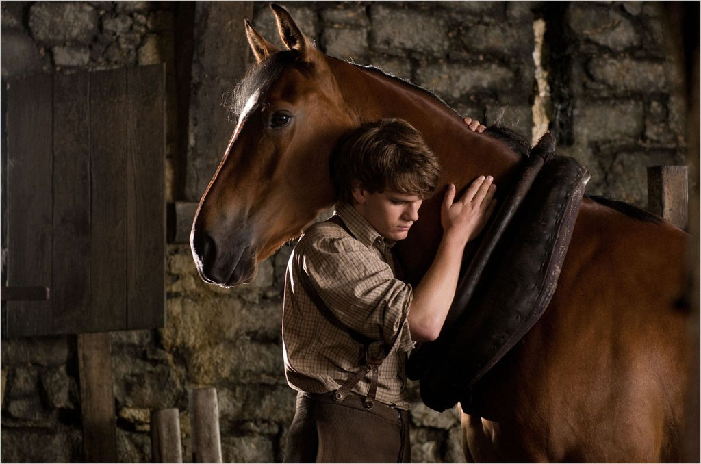 http://s.excessif.com/mmdia/i/64/1/cheval-de-guerre-de-steven-spielberg-10620641eiaqd.jpg?v=1